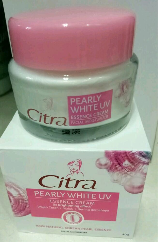Citra Hazeline Pearly White UV Moisturizer